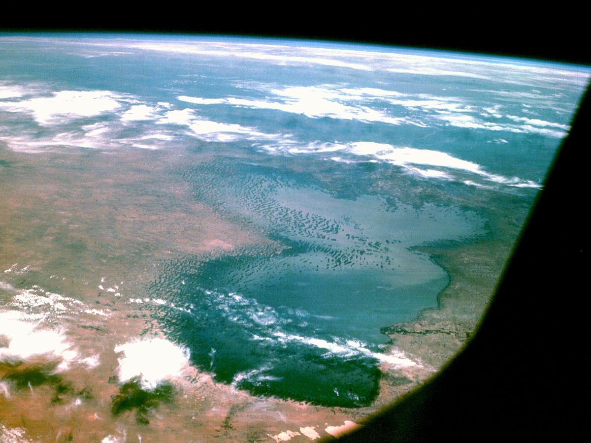 1200px-Lake_Chad_from_Apollo_7